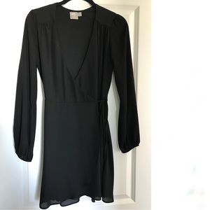 EUC Long sleeve LBD little black dress